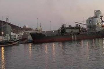 وزارة النفط : وصول ناقلات نفط وأخرى محتجزة واتفاقيات لإستيراد كميات إضافية
