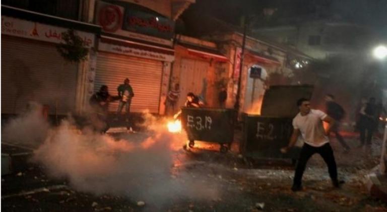 إصابة 11 فلسطينيا خلال مواجهات مع العدو الصهيوني شرق قلقيلية