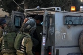 الاحتلال يعتقل 15 فلسطينيا من مدن الضفة الغربية والقدس