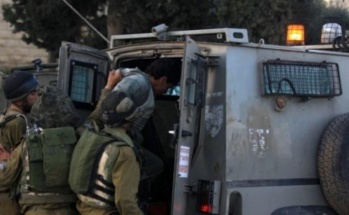 قوات الاحتلال تعتقل عددا من الفلسطينيين في مدن الضفة المحتلة