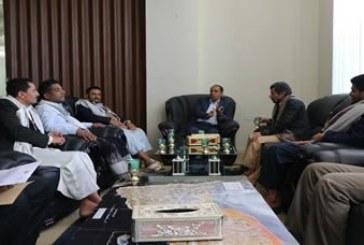 وزير الإعلام يلتقي عدد من الشعراء