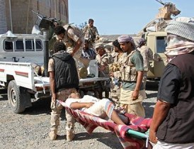 عدن ضحية معارك «الشرعية»… و«القوات اليمنية» تسترد مواقع في نهم