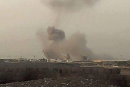 استشهاد وإصابة 4 مواطنين بغارات لطيران الأباتشي في الحديدة