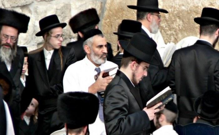 مئات الصهاينة يقتحمون الأقصى والمنطقة الأثرية في نابلس