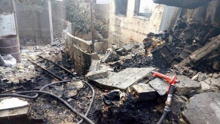 قوات العدو الصهيوني تفجر منزلا فلسطينيا وتشن حملة اعتقالات في الضفة