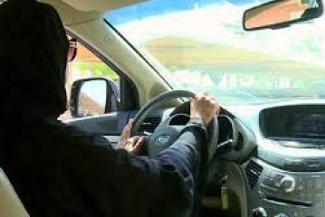 تقارير غربية: أسباب اقتصادية قد تكون خلف قرار السماح للمرأة بقيادة السيارة
