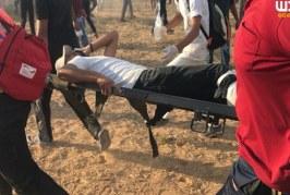 استشهاد فلسطيني وجرح أكثر من 200 آخرين على حدود غزة